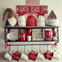 Essential things for inspirational elegant christmas kitchen decor ideas 22 – fugar Christmas Coffee, Cozy Christmas, All Things Christmas, Holiday Fun, Christmas 2019, Christmas Presents, Christmas Ideas, Farmhouse Christmas Decor, Christmas Kitchen