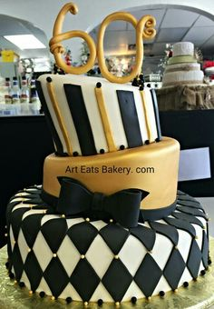 Birthday cake black and gold stripes 25 new ideas - Birthday Cake Blue Ideen 30th Birthday Cakes For Men, Birthday Party Snacks, Gold Birthday Party, Birthday Gifts For Girlfriend, Cool Birthday Cakes, 6th Birthday Parties, Husband Birthday, 80th Birthday, Birthday Ideas