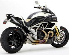 Special Bike Ducati Diavel DVC by Motocorse - Custom Motorcycles & Classic Motorcycles - BikeGlam Concept Motorcycles, Custom Motorcycles, Cars And Motorcycles, Best Motorbike, Motorcycle Style, Moto Ducati, Ducati Diavel, Sportbikes, Monsters
