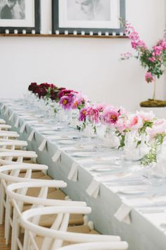 Ombre center-piece | Creative, colorful center-piece ideas | Tablescape inspiration