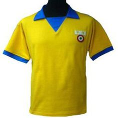 Welcome to TOFFS, the number one choice for retro football shirts, handmade in the UK. We also have t-shirts, track tops and hoodies. Michel Platini, Retro Football Shirts, Juventus Fc, Grande, Polo Ralph Lauren, Mens Tops, How To Wear, Fashion, Shirts