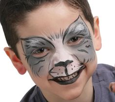 Grimtout, makeup with water - gray cat. Professional makeup without . Face Painting For Boys, Face Painting Designs, Body Painting, Werewolf Face Paint, Werewolf Makeup, Animal Face Paintings, Fair Face, Professionelles Make Up, Wolf Costume