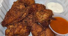 Launched by Mel's Burger Bar, Trashed Wings delivers crispy, tender wings from the Mel's Burger Bar locations on the UWS, UES and downtown. Chicken Delivery, Nyc Bucket List, Boneless Wings, Best Wings, Burger Bar, Buffalo Cauliflower, Chicken Wing Recipes, New Recipes, Concept