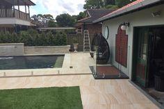 Home decor. P ideen fliesen sandstein Natural Stone Wall, Natural Stones, Living Room Decor, Living Spaces, Bedroom Decor, Sydney, Garden Hose Holder, Paving Ideas, Stone Supplier