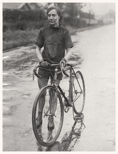 Suzanne Hudry. Campionat de França de 1926 http://s.click.aliexpress.com/e/nyZBayf