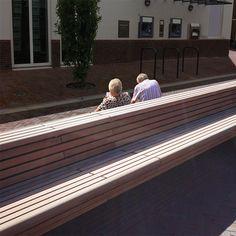 STREETLIFE Cliffhanger Park Bench, double seating @ Ijmuiden (NL) #StreetFurniture #ParkBench #Cliffs