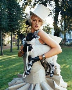 9°   Gwen Stefani my ultimate inspiration.  Tough   Yet Girly   Creative   Re inventive   Nothing gonna keep US down.