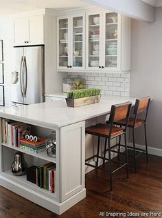 Remodeling your small kitchen shouldn't be a difficult task. When you put your small kitchen remodeling idea on paper, just remember your budget. Read on to find out some tips on redesigning our small…MoreMore #kitchenremodeling #kitchenremodeltips #kitchenremodelingonabudgetsmall #smallkitchenrenovation #smallkitchenremodel