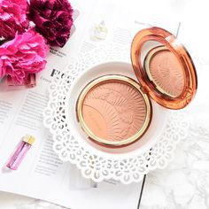Limited Edition Clarins Summer Bronzing and Blush Compact 2017 Bronzer, Concealer, Best Makeup Products, Beauty Products, Compact Foundation, Makeup Must Haves, High End Makeup, War Paint, Makeup Inspiration