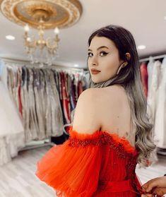 Galaxy Wallpaper, Billie Eilish, Vogue, Trending Outfits, Instagram, Cellos, Style, Tik Tok, Daenerys Targaryen