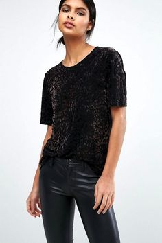 This Cool Velvet Tee Only Looks Expensive | Le Fashion | Bloglovin'