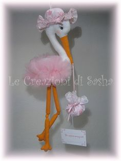 pink and grey baby shower cake Bird Crafts, Felt Crafts, Diy And Crafts, Baby Shower Signs, Baby Shower Cakes, Flamingo Craft, Baby Shawer, Felt Birds, Doll Maker