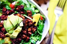 BBQ Tofu, Edamame & Pineapple Spinach Salad with Nectarine Balsamic Dressing » Keepin' It Kind