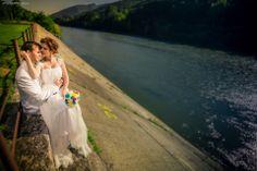 http://www.mariusmarcoci.ro/wedding/eva-mircea-trash-the-dress/