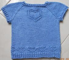 Sweet Tee in Italian Knitted Dishcloth Patterns Free, Baby Knitting Patterns, Little Girl Outfits, Baby Boy Outfits, Kitten Mittens, Knitting For Kids, Knitting Projects, Baby Sweaters, Creations