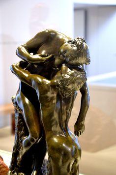 L'Abandon par Camille CLAUDEL (1864-1943) vers 1886. Bronze, Fonte par E. Blot en 1905. Musée Camille Claudel à Nogent-sur-Seine. Photo : Hervé Leyrit