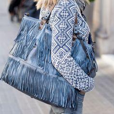 Bolso  multiflecos de piel azul con billetera incorporada seguimos recibiendo nuestros maravillosos bolsos desde Italia!!