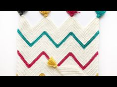 A crochet chevron blanket pattern consists of peaks and valleys. So, understanding this, a chevron pattern can easily be achieved. In my pattern, each peak Easy Blanket Knitting Patterns, Chevron Crochet Blanket Pattern, Crochet Ripple Blanket, Baby Girl Crochet Blanket, Chevron Blanket, Crochet For Beginners Blanket, Afghan Crochet Patterns, Crochet Basics, Cardigan Bebe