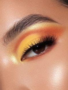 Yellow Makeup, Yellow Eyeshadow, Colorful Eye Makeup, Blue Eye Makeup, Smokey Eye Makeup, Eyeshadow Makeup, Crazy Eyeshadow, Bright Makeup, Colorful Eyeshadow