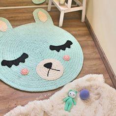 Alfombra Conejito mint hecha a mano Handmade rug bunny mint .................... artesesa.bigcartel.com .................... #artesesa#artesaniadegalicia#hechoamano#handmade#alfombra#rug#crochet#trapillo#decoracion#kids#design#instacrochet#homestyle#hogar#storage#zpagetti#babyroom#kidsdeco#barnerom#nurserydecor#amigurumi#babytoy#babyroom#kidsdecor#bebé#amigurumis#reciennacido#instababy#babygirl#bebés by artesesa