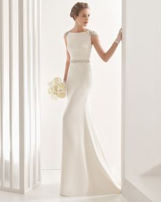 This style dress is great if you have killer curves and want to show off that hourglass figure on your wedding day as this gown fits close to the contours of your body. It also elongates the body s…