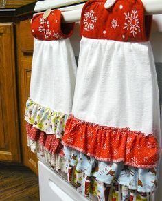 Free Sewing Pattern: Ruffled Hanging Dish Towel from www.allfreesewing.com