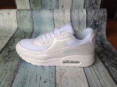 abf08edf4e0 De 21 beste afbeelding van Sneakers - Vintage canvas, Plimsoll shoe ...