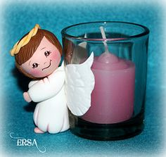 Sandra has shared 3 photos with you! Candle Stand, Candle Jars, Candles, Yarn Dolls, Clay Dolls, Ideas Bautizo, Angel Baby Shower, Biscuit, Baby Baptism
