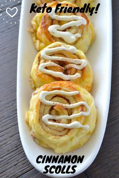 Keto Cinnamon Rolls - Keto Breakfast - Ideas of Keto Breakfast - Keto Cinnamon Scroll are a sweet cheesy dessert which are made from the pizza dough mixed with stevia to give it a slight sweetness alongside the cinnamon. Desserts Keto, Keto Snacks, Keto Sweet Snacks, Keto Friendly Desserts, Holiday Desserts, Low Carb Breakfast, Breakfast Recipes, Breakfast Ideas, Dinner Recipes