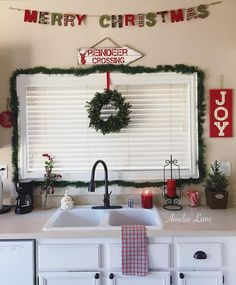 Joy is a momma getting to enjoy her clean kitchen for 2.5 seconds! Which is exactly what I'm doing.😊 sharing for #winterweekenddecor #myholidayhomestyle #styledsaturdaysigns #saturdaysignlove #christmasiscomingdecor & #simplelivingsaturday would my friends @diyinspiredhouse or @simplypossibilities care to share!? . . . . #saturday #christmasdecorations #christmasspirit #christmas #christmasdecor #christmasdecoration #christmasdecorations #christmastime #decorate #decorating #tistheseason…