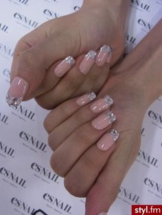 How to make a bright spring manicure, durable, stylish and beautiful? Or is it better to settle for pastels, as if the nails do not attract much attention, and Glam Nails, Hot Nails, Fancy Nails, Beauty Nails, Hair And Nails, Nude Nails, Fabulous Nails, Gorgeous Nails, Pretty Nails