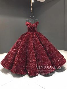 Couture Sparkly Sequin Ball Gown Off the Shoulder Debut Dresses – Viniodress Source by viniodress dresses gowns Pretty Quinceanera Dresses, Floral Prom Dresses, Straps Prom Dresses, Prom Dresses For Teens, Quince Dresses, Formal Dresses For Weddings, Bridesmaid Dresses, Quinceanera Party, Vintage Ball Gowns