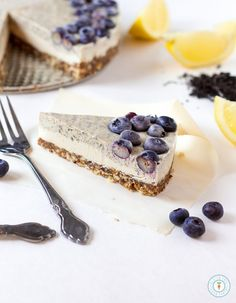 Earl Grey Lemon Cheesecake - Vegan, gluten-free and raw. Only 8 ingredients needed! | glutenfreeveganpantry.com