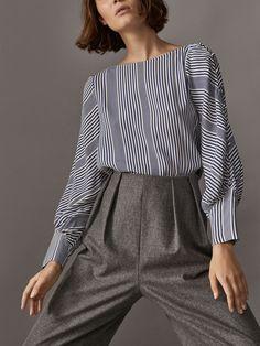 Work fashion, office fashion women, slow fashion, womens fashion for Office Fashion Women, Black Women Fashion, Womens Fashion For Work, Work Fashion, Slow Fashion, Blouse Designs, Shirt Blouses, Blouses For Women, Fashion Dresses
