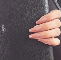 ♥ Nude nails