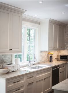100 Elegant White Kitchen Cabinets Decor Ideas For Farmhouse Style Design. Kitchen cabinetry is not just for storage. It is an essential element to your kitchen's style when doing a kitchen remodel. Backsplash For White Cabinets, Kitchen Cabinets Decor, Kitchen Redo, Kitchen Countertops, Kitchen And Bath, New Kitchen, Gray Cabinets, Backsplash Ideas, Kitchen Ideas