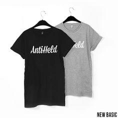 New Basic // BLACK: http://antiheld-couture.com/shop/basics/108-new-basic-unisex-shirt-schwarz.html