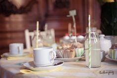 """Decoración de mesas para casamientos en blanco y amarillo """"El árbol de la alegría"""" by Nest, Catering de Barbie Mason y Pachu Jordan"""