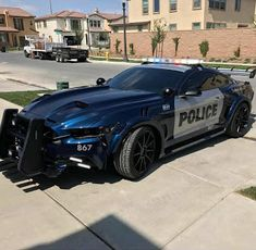 A to some degree peculiar patrol. « natural On 'Black Hole Sun' was written in a car when I was driving home from the studio one night. 2015 Mustang, Mustang Cars, Ford Mustang Gt, Ford Gt, Us Police Car, Police Truck, Emergency Vehicles, Amazing Cars, Sport Cars
