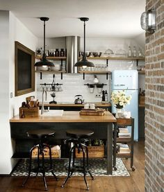 Modern Kitchen Interior 40 Admirable Small Apartment Kitchen Decor Ideas s Small Apartment Kitchen, Small Apartment Decorating, Home Decor Kitchen, New Kitchen, Home Kitchens, Kitchen Ideas, Kitchen Small, Ranch Kitchen, Country Kitchen
