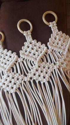 Macrame Wall Hanging Diy, Macrame Curtain, Macrame Art, Macrame Projects, Macrame Knots, Macrame Design, Macrame Patterns, Crafts, Family Genes