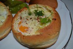 Malzemeler: * 5-6 tane hamburger ekmeği * Hamburger ekmeği kadar sayısı kadar yumurta * Her ekmek için 7-8 dilim sucuk * Her ekmek i...