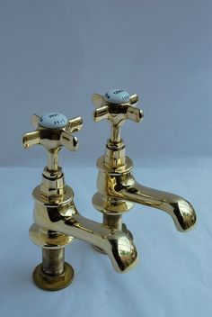 BRASS BASIN TAPS RECLAIMED/REFURBISHED VINTAGE WITH PLUG ...