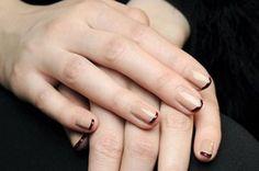 Οι μπεζ αποχρώσεις και οι συνδυασμοί τους στα νύχια σας | Jenny.gr