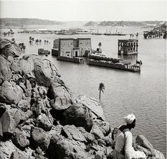 - Temple of Philae, during the annual flood of the Nile ./tcc/