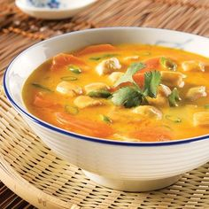 Thai Chicken and Coriander Soup – Recipes – Cooking and Nutrition – Pratico Pratique Paleo Recipes, Asian Recipes, Soup Recipes, Chicken Recipes, Cooking Recipes, Ethnic Recipes, Asian Cooking, Cooking Time, Asian Soup