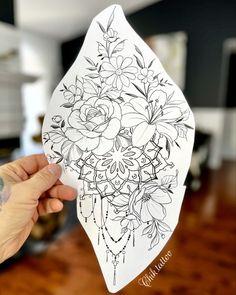 Feminine Tattoos, Unique Tattoos, Pink Daisy, Woman Drawing, Tattoo Artists, Tatting, Stencils, Floral Design, Tattoo Designs
