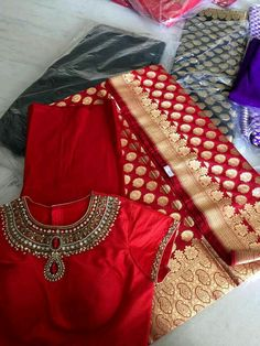 Red z perfect Silk Saree Blouse Designs, Saree Blouse Patterns, Fancy Blouse Designs, Bridal Blouse Designs, Silk Sarees, Blouse Models, Indian Designer Wear, Indian Outfits, Blouses