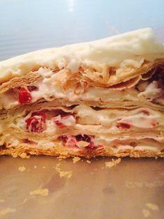 Pastel mil hojas❤️ Ad Hoc, Cheesesteak, Deserts, Ethnic Recipes, Food, Dessert Tables, Desserts, Dessert, Postres