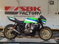 Jake Holden To Race SBK Factory Custom In Pikes Peak International Hill Climb - Roadracing World Magazine Kawasaki Cafe Racer, Motos Kawasaki, Kawasaki Motorcycles, Street Fighter Motorcycle, Motorcycle Bike, Triumph Motorcycles, Custom Motorcycles, Ducati, Mopar